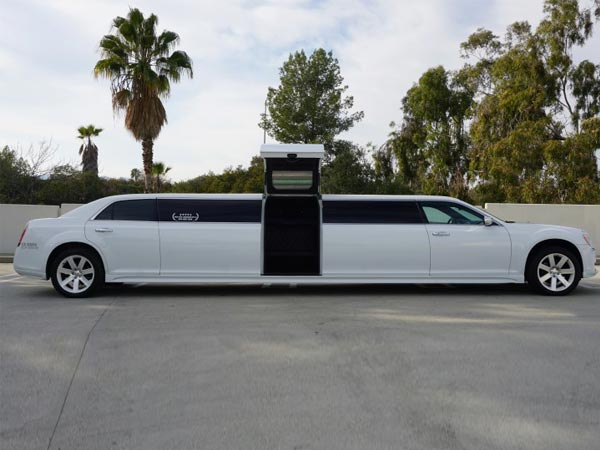 12 passenger Chrysler 300 Gullwing Limo