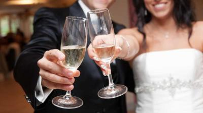 Useful Tips to Ensure Your Out of Town Wedding Guests Feel Right at Home
